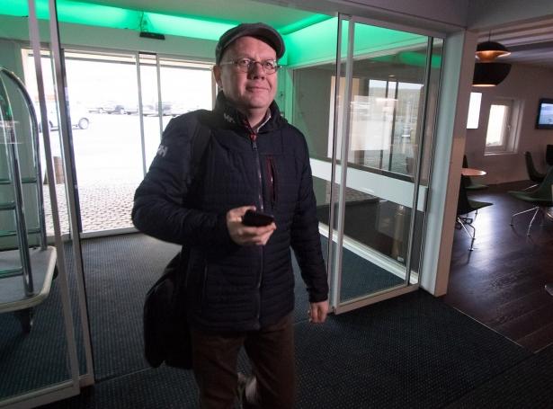 Jan Mortensen frá lønardeildini á Fíggjarmálaráðnum (Savnsmynd: Sverri Egholm)