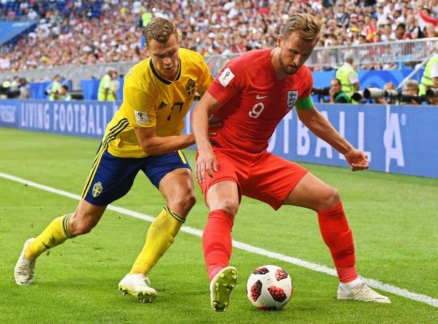 Sum skilst verður EM-endaspælið spælt 11. juni til 11. juli. UEFA hevur ikki váttað tíðindini, men alt bendir á, at tað verður skjótt (Mynd: EPA)