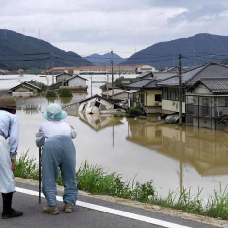 Japan: Ringasta veðurvanlukkan í 30 ár
