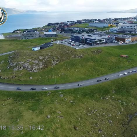 Video: Soleiðis glíður ferðslan við Hvítanesveg/Eystara Ringveg