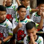 Tailendsku fótbóltsdreingirnir flyta í klostur