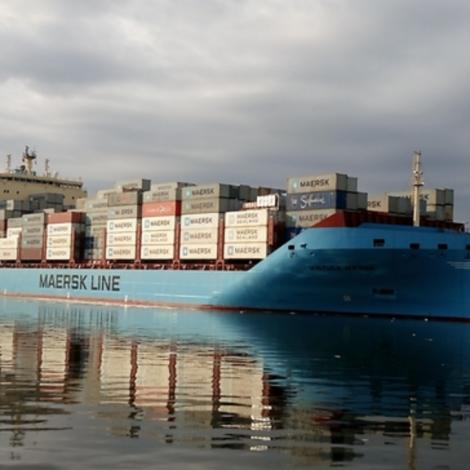 Fyrsta Maersk konteynaraskipið á arktiskari siglingarleið