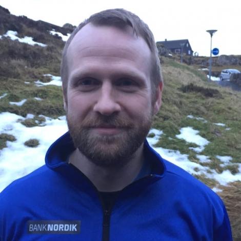 Ári greiðir frá, hvussu manskappingin verður næsta ár. (Mynd: HSF.fo)