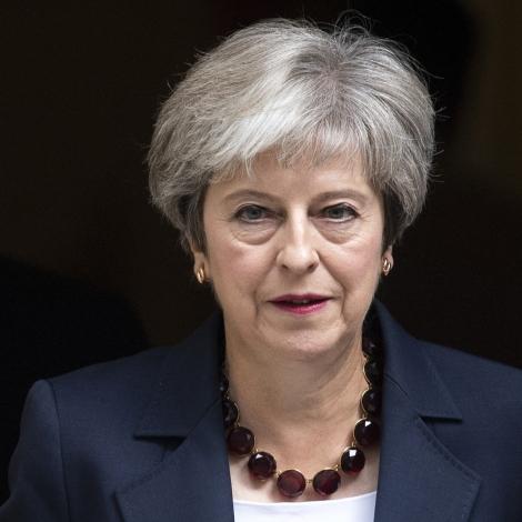 Theresa May fer ikki at útseta Brexit longur enn til 30. Juni