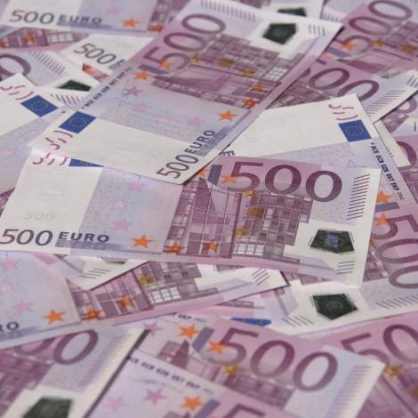 Fólkatingið ætlar at banna 500 evru-seðilin