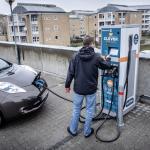 Danska stjórnin vil steðga sølu av nýggjum diesel- og bensinbilum í 2030