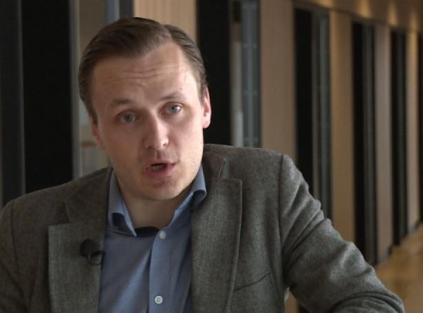 Stefan í Skorini, stjóri í Føroya Reiðarafelag (Skíggjamynd, KvF)