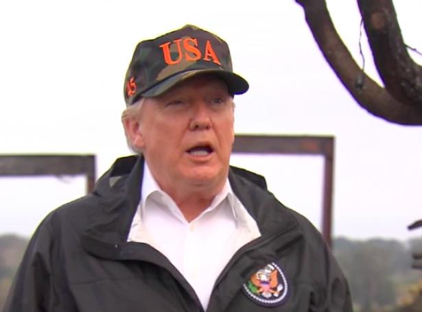 Trump á tíðindafundi í Malibu, Kalifornia (Mynd: DR)