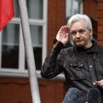 Julian Assange verður ikki útflýggjaður til USA