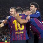 Leikarar hjá Barcelona fegnast eftir 6-1 málið hjá Lionel Messi (Mynd: EPA)