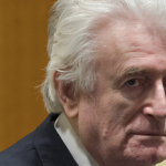 Krígsbrotsmaðurin Radovan Karadzic dømdur lívlanga fongsulsrevsing