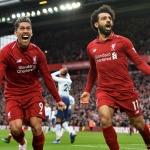 Liverpool fekk sigurin móti Tottenham í hús í evstu løtu (Mynd: EPA)