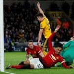 United var sín egni størsti fíggindi á Molineux í kvøld (Mynd: The Guardian)