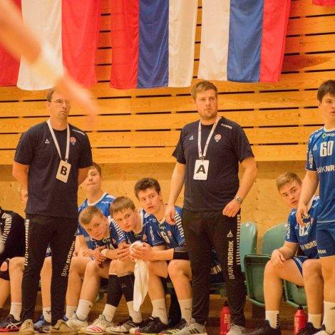Føroysku dreingirnir vunnu lættliga dystin móti Estlandi í gjár (Mynd: Harald Bjørgvin)