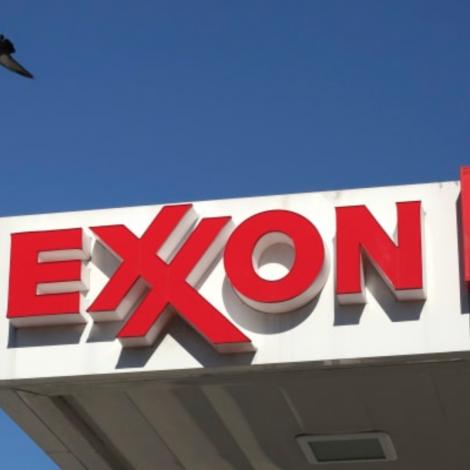 Exxon Mobil um at rýma úr Norra