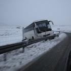 Bussur koyrt útav omanfyri Syðrugøtu