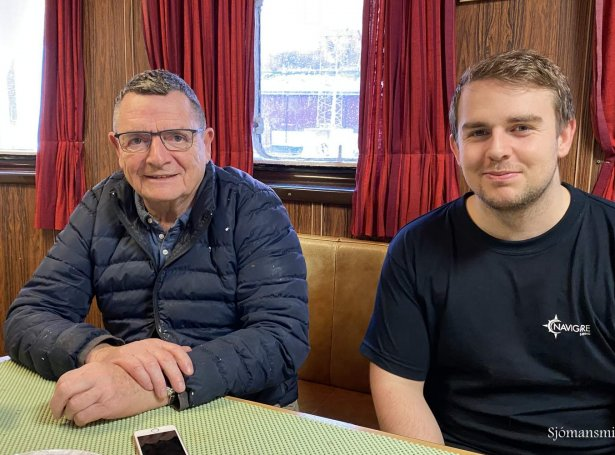 Harry Hansen og Ingvar Hentze, sum eru skipari og stýrimaður á Havfrakt (Mynd: Føroyska Sjómansmissiónin)