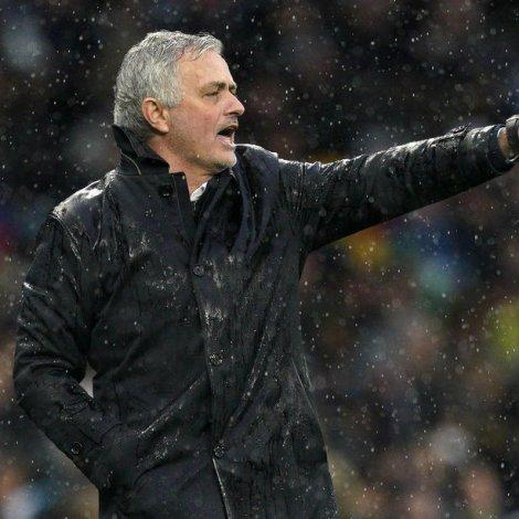 17 dagar eftir, at hann varð sagdur í starvið í London, er kunngjørt, at José Mourinho hevur skrivað undir sáttmála í Rom (Mynd: EPA)