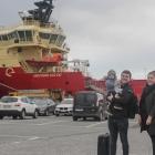 Myndir: Eldborg og Sjoborg skifta manning á Havnini