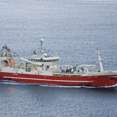 Fleiri skip liðug við sildakvotuna