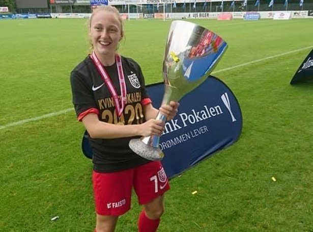 Ásla Johannesen kundi fegnast í gjár (Mynd: FC Nordsjælland)