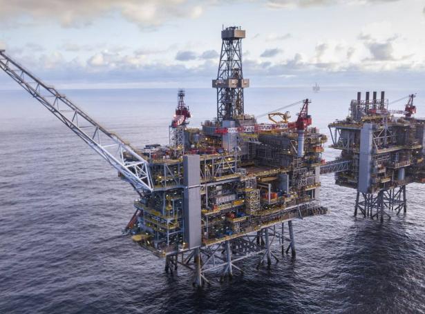 Shell sær stórar útbyggingarmøguleikar á stóra Clair oljufeltinum eystan fyri Føroyar