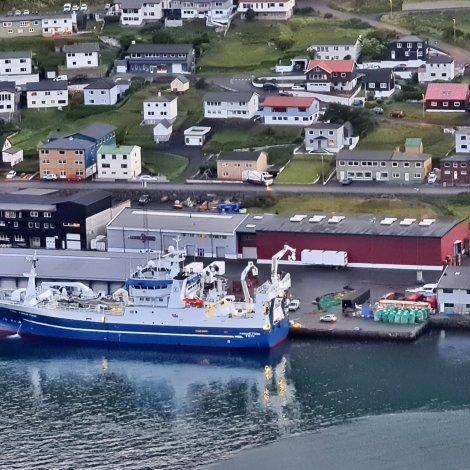 Finnur Fríði landar á Tvøroyri