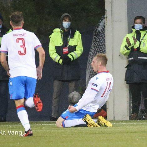 Klæmint Andrasson Olsen legði Føroyar á odda 1-0 móti Malta á Tórsvølli. Tríggjar dagar seinni gjørdi rituvíkingurin tað sama í Andorra (Mynd: Sverri Egholm)