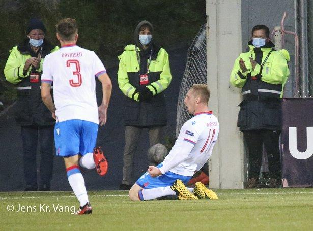 Frøin var stór eftir 1-0 málið á Tórsvølli hóskvøldið (Mynd: Jens Kr. Vang)