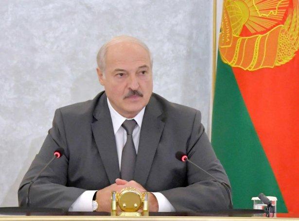 Aleksandr Lukasjenko hevur sitið við valdið síðan 1994 (Mynd: EPA)