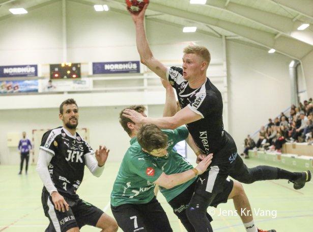 Team Klaksvík var nær við móti Kyndli sunnudagin og var omaná í gjárkvøldið móti kollfirðingum (Mynd: Jens Kr. Vang)