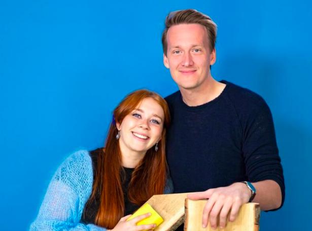 Sunnvá Dahl Rasmussen og Martin Høgfeldt Olsen kunnu gerast húsaeigarar í kvøld (Mynd: TV 2)