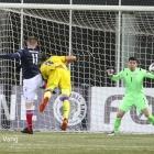 Klæmint Andrasson Olsen skorar til 2-0 (Mynd: Jens Kr. Vang)