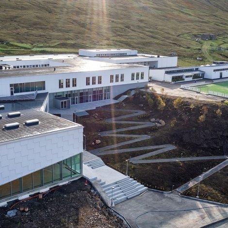 Nýggi skúlin við Streymin: Hátíðarhaldið verður stroymt