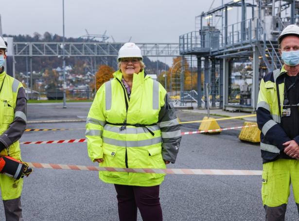 Erna Solberg, norski forsætisráðharrin, lat fríggjadagin upp heimsins størstu royndarstøð til flutning av CO2