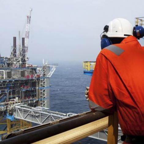 Oljueftirspurningur neyvan at vaksa í 2020
