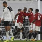 Paul Pogba stóð aftur fyri einari perlu í 2-1 sigrinum hjá United á Fulham í gjárkvøldið (Mynd: EPA)