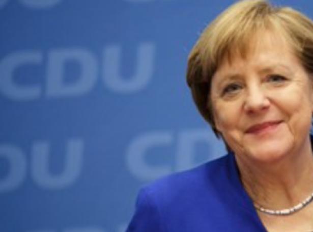 Týski kanslarin Merkel ætlar sær ikki at steðga gassrørleiðing úr Russlandi, hóast Biden stjórnin vil steðga henni. Merkel vísir á, at USA samstarvar við Russland um olju, og vil hon nú hava alt orkusamstarvið við Russland til umrøðu.
