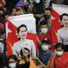 Herurin í Myanmar: Mótmælisfólk verða skotin í høvdið