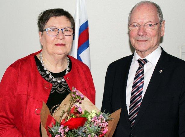 Maria Ludvig og Heðin Mortensen, borgarstjóri í Tórshavnar kommunu (Mynd: Tórshavnar kommuna)