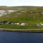 Bjóðar út grundstykki til íbúðir ella raðhús