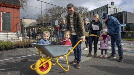 Myndir: Høvuðsstaðurin vil hava fólk at planta trø