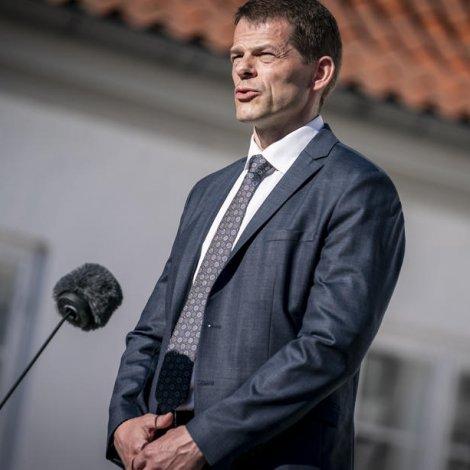 Løgmaður handar bókmentavirðislønina