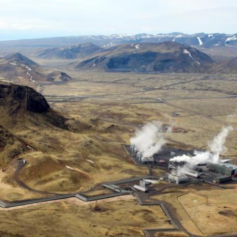 Heimsins størsta verksmiðja til at goyma CO2 av bakkastokki í Íslandi