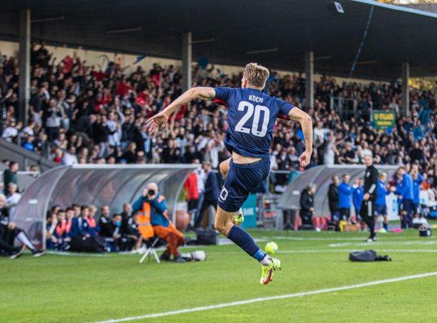 Sebastian Koch skoraði tvey og legði upp til hitt málið í 3-0 sigrinum hjá Nykøbing FC á FCK í gjákvøldið (Mynd: Nykøbing FC)