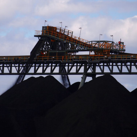 Kina tørvar kol til síni orkuverk