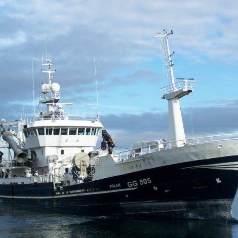 Útlendsk uppsjóvarskip landa makrel á Tvøroyri